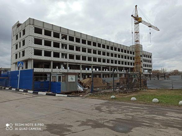 Строительство бизнес-центра с парковкой на 200 мест завершается в Нижнем Новгороде - фото 2
