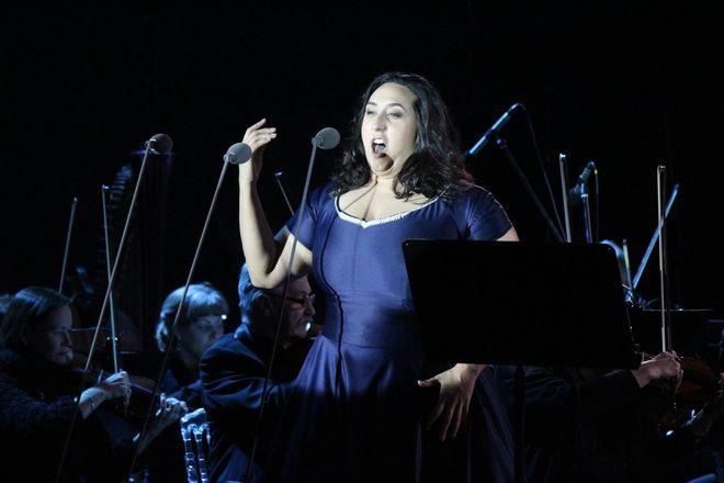 Звезды мировой оперы выступили на Стрелке - фото 15