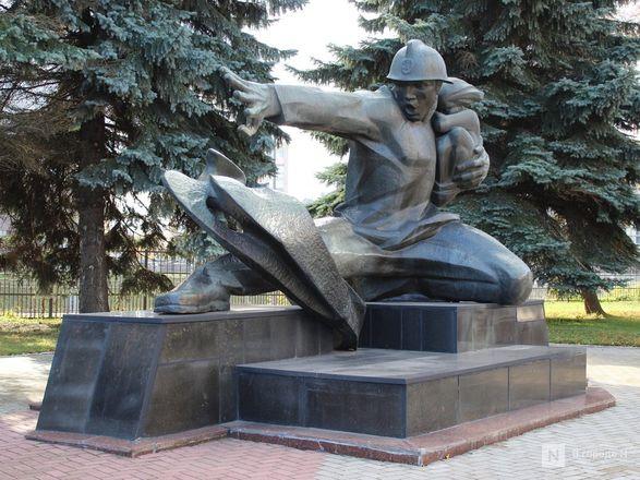 Труд в бронзе и чугуне: представителей каких профессий увековечили в Нижнем Новгороде - фото 14