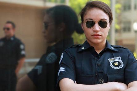 На страже порядка: где получить профессию полицейского?