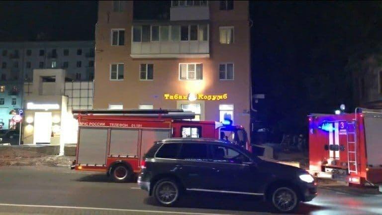 Пожар произошел на площади Горького в Нижнем Новгороде - фото 1