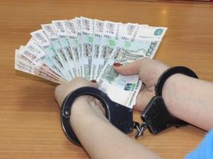 Начальника сормовского отдела миграции накажут за взятку в 100 тысяч рублей