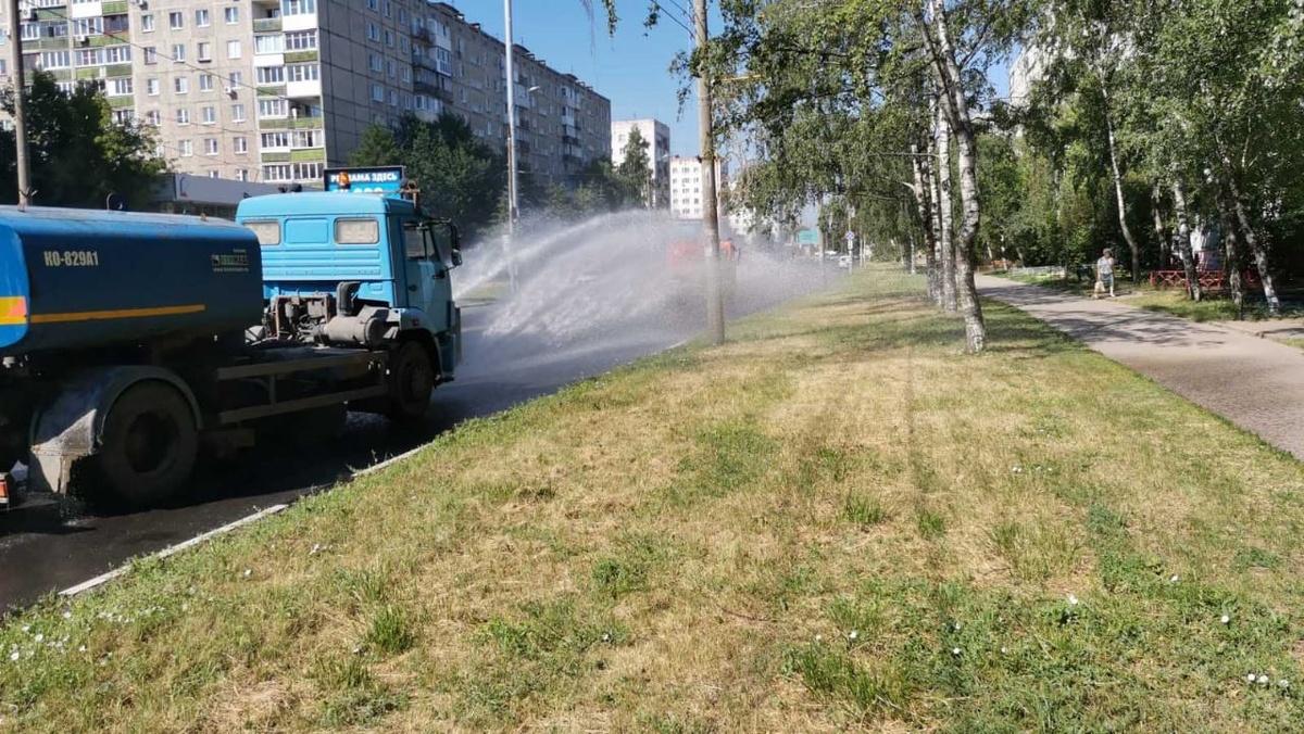 Нижегородские коммунальщики будут поливать дороги каждые три часа - фото 1