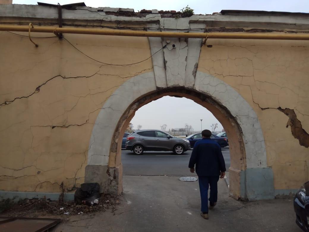 ОНФ обнаружил аварийные дома и провалы в асфальте на исторических улицах Нижнего Новгорода - фото 1