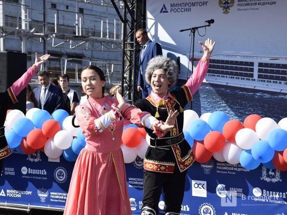 Пятизвездочный плавучий отель спустили на воду в Нижнем Новгороде - фото 15