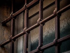 Мошенник за решеткой похитил у нижегородцев около миллиона рублей