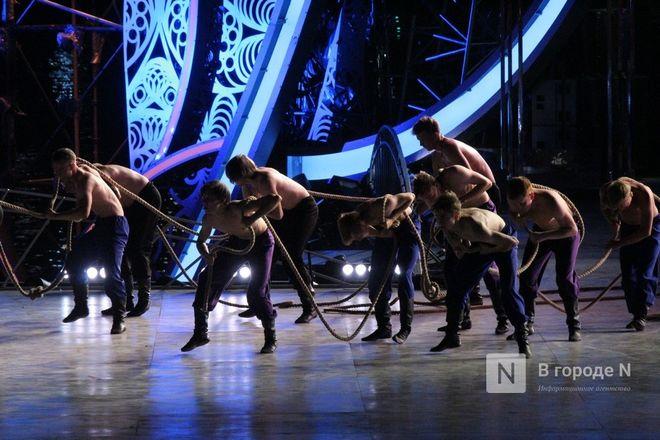 Огонь, вода и звезды эстрады: Как прошло гала-шоу 800-летия Нижнего Новгорода - фото 41