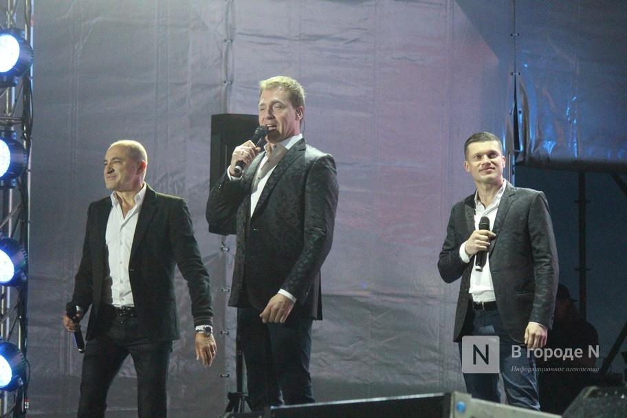 «Столица закатов» без солнца: как прошел первый день фестиваля музыки и фейерверков в Нижнем Новгороде - фото 12