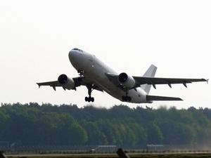 Пожилой пассажир рейса Владивосток — Москва скончался в аэропорту Нижнего Новгорода