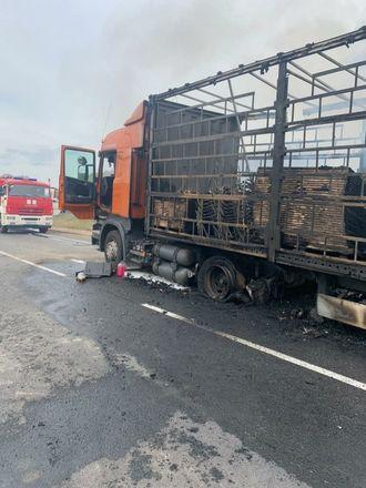 Один человек погиб в столкновении трех грузовиков в Кстовском районе - фото 3