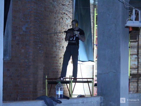 Инъекция для стен: как идет реставрация фасада нижегородской фабрики «Маяк» - фото 25