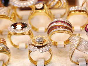 Ювелирные украшения: драгоценные подарки от «Агатес»