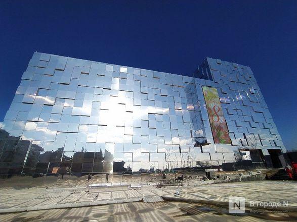 Первый павильон Нижегородской ярмарки превратили в зеркальные кубоиды - фото 6