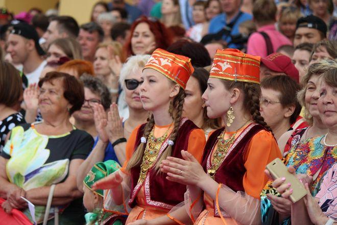 Фестивали духовых оркестров и Дружбы народов прошли в Нижнем Новгороде в День России - фото 15