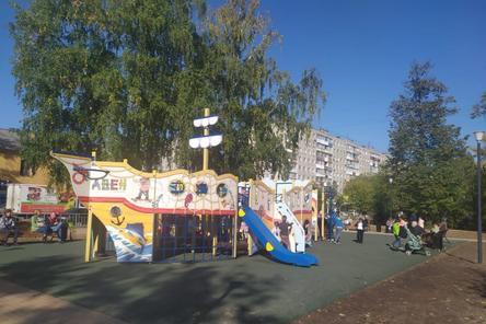 Детскую площадку в виде корабля установили в Сормове