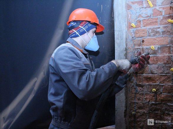 Инъекция для стен: как идет реставрация фасада нижегородской фабрики «Маяк» - фото 17