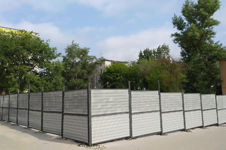 Застройщик гостиницы на Мануфактурной пообещал сдвинуть забор